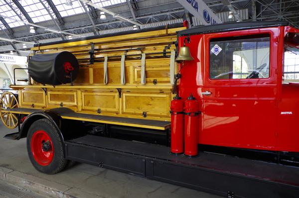 Пожарная «линейка» на базе 2,5-тонной модели АМО-4