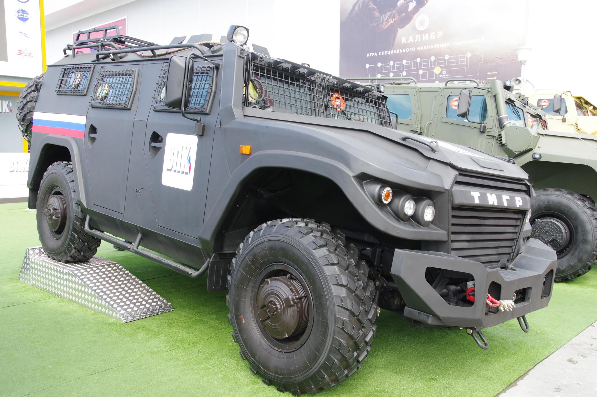 Бронеавтомобиль ВПК-233136 «Тигр» в комплектации «Рейд»