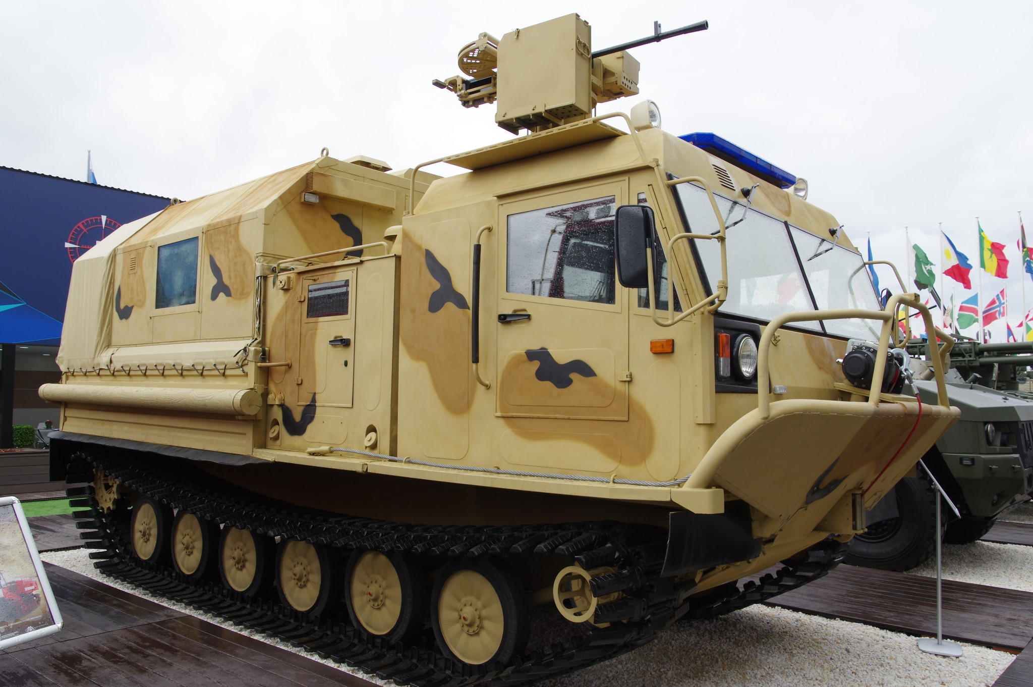 Транспортная машина ТМ-140