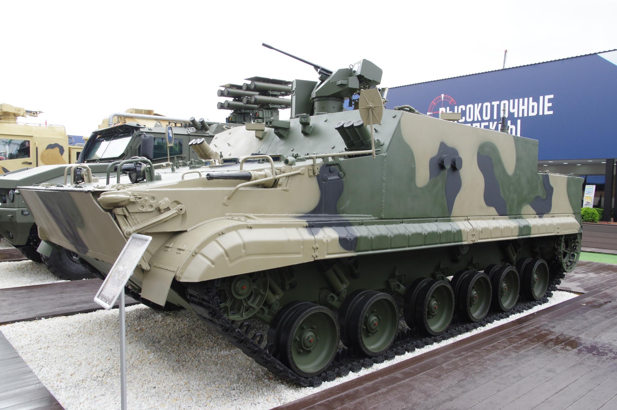 Гусеничный плавающий бронетранспортёр БТ-3Ф