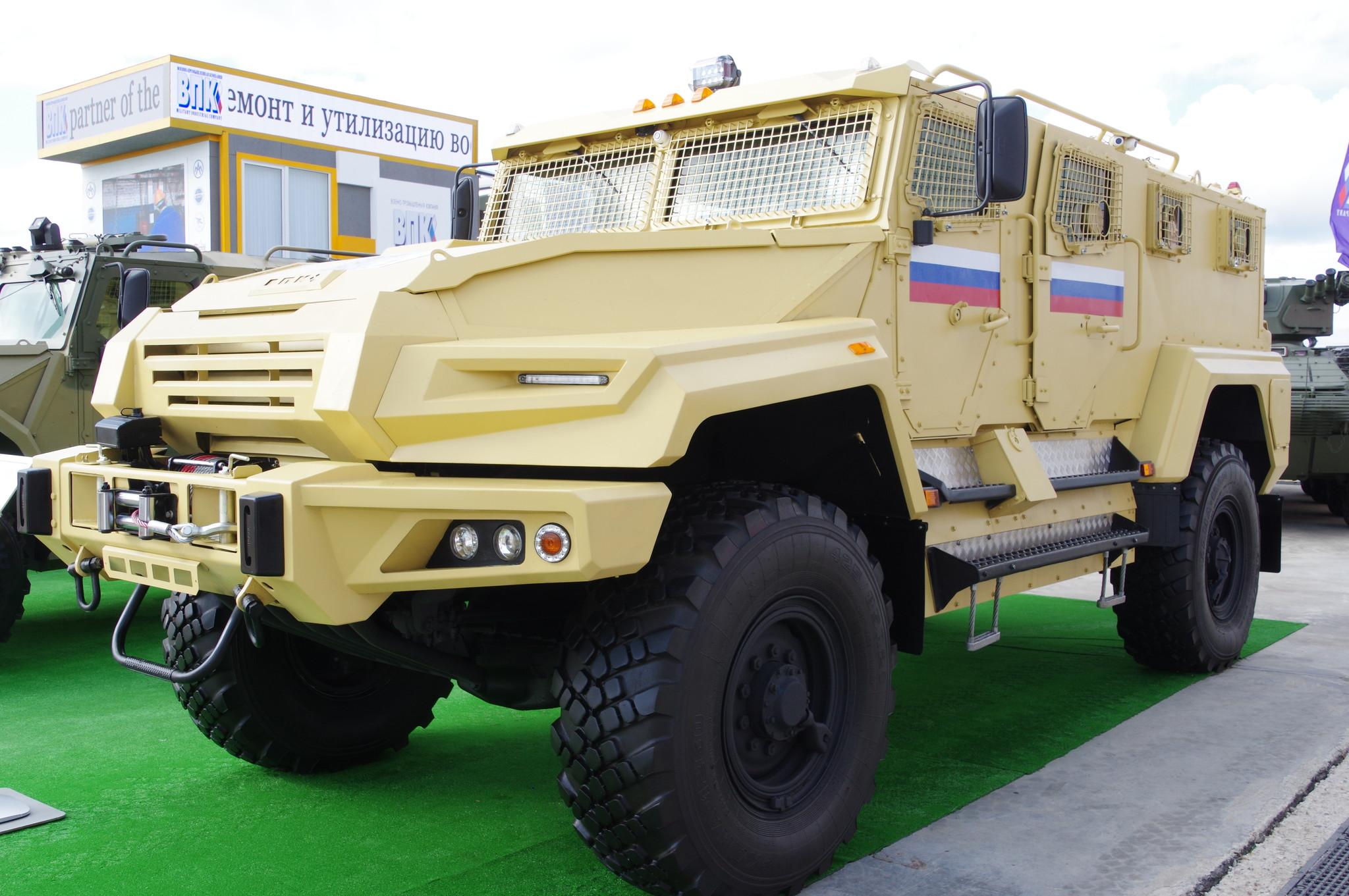 Бронированный автомобиль многоцелевого назначения 4х4 «ВПК-Урал»