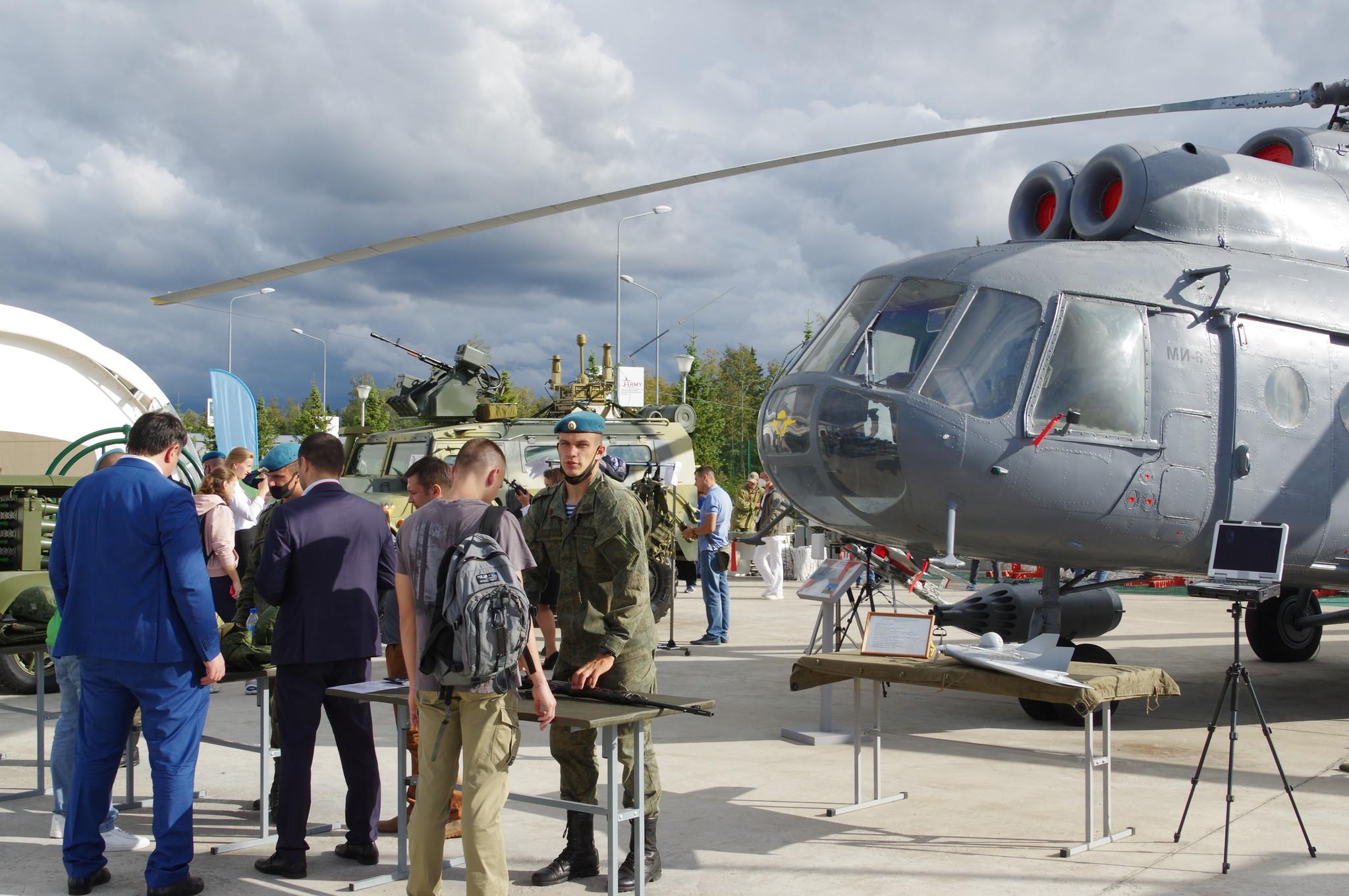 Тематический стенд Воздушно-десантных войск