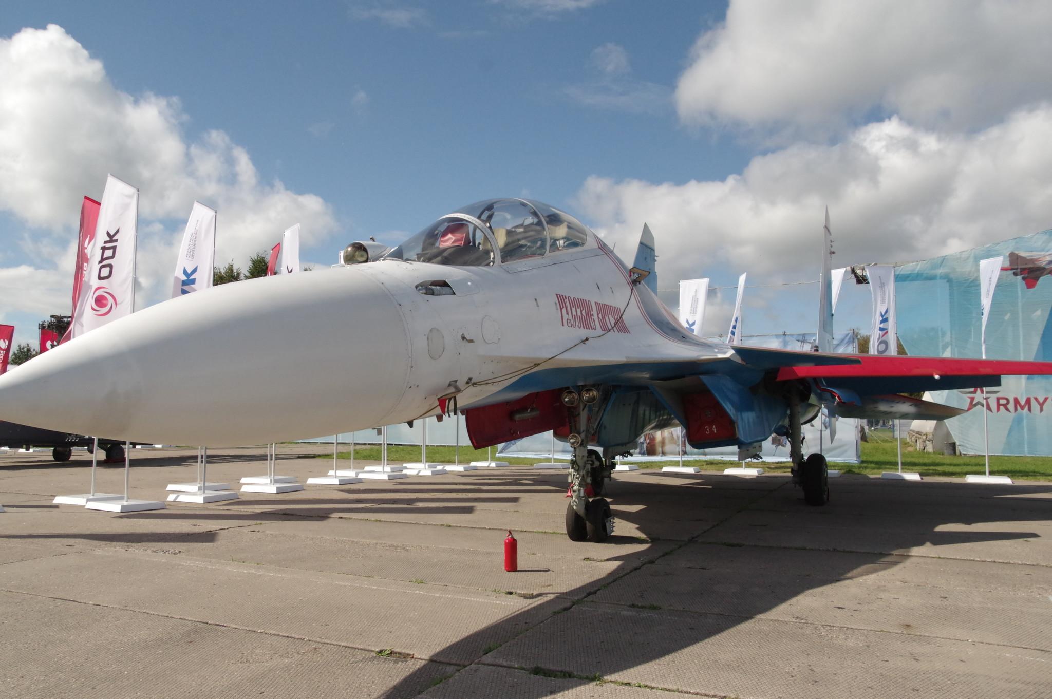 Сверхманевренный многоцелевой истребитель Су-30СМЭ