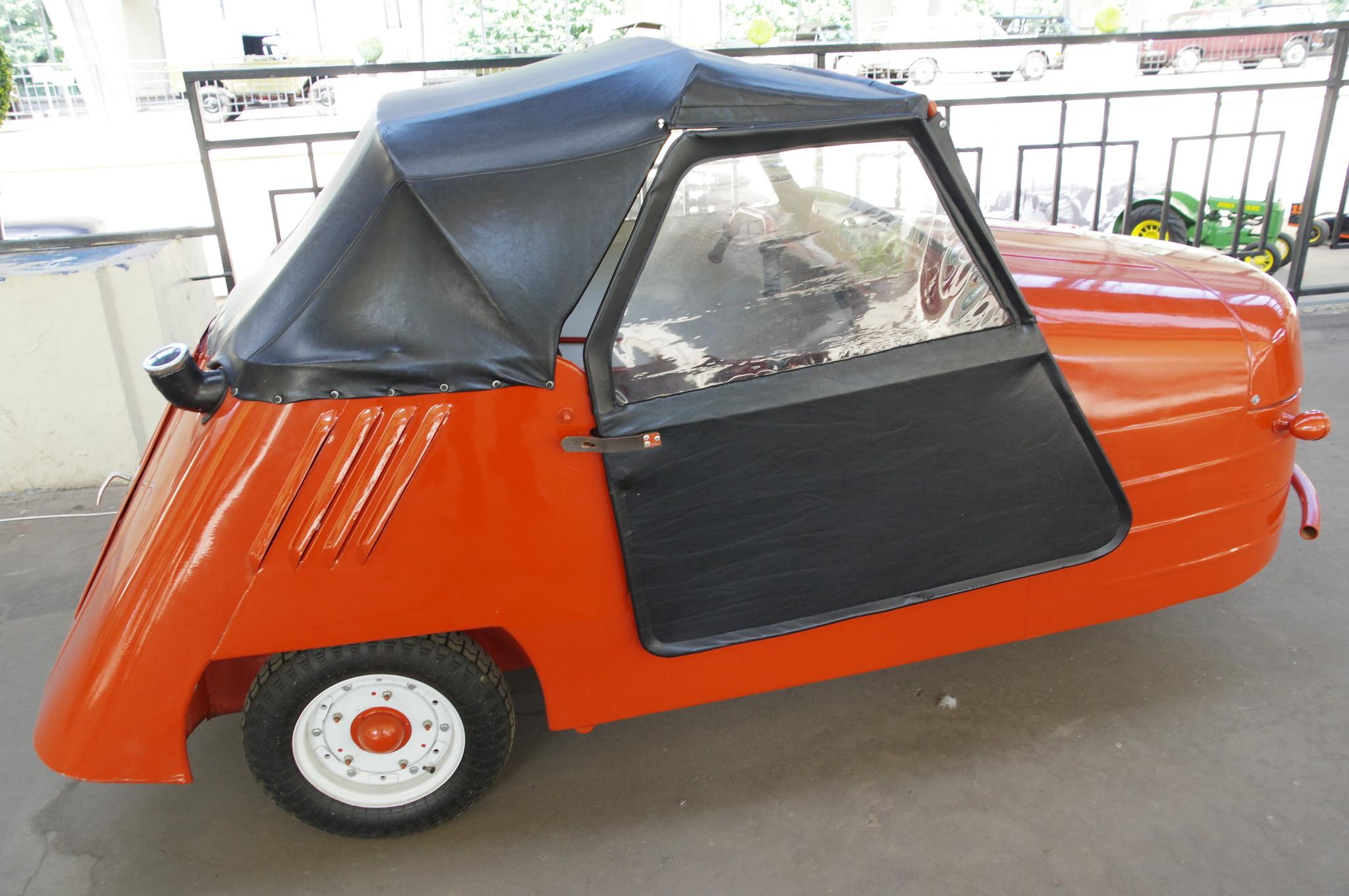 Автомобиль-мотоколяска СМЗ С-1Л