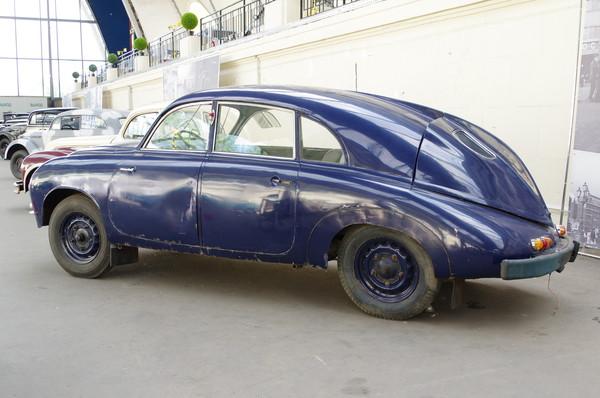 Легковой автомобиль Tatra 600 Tatraplan