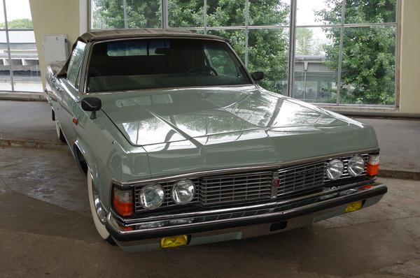 Автомобиль ГАЗ-14−05 «Чайка»