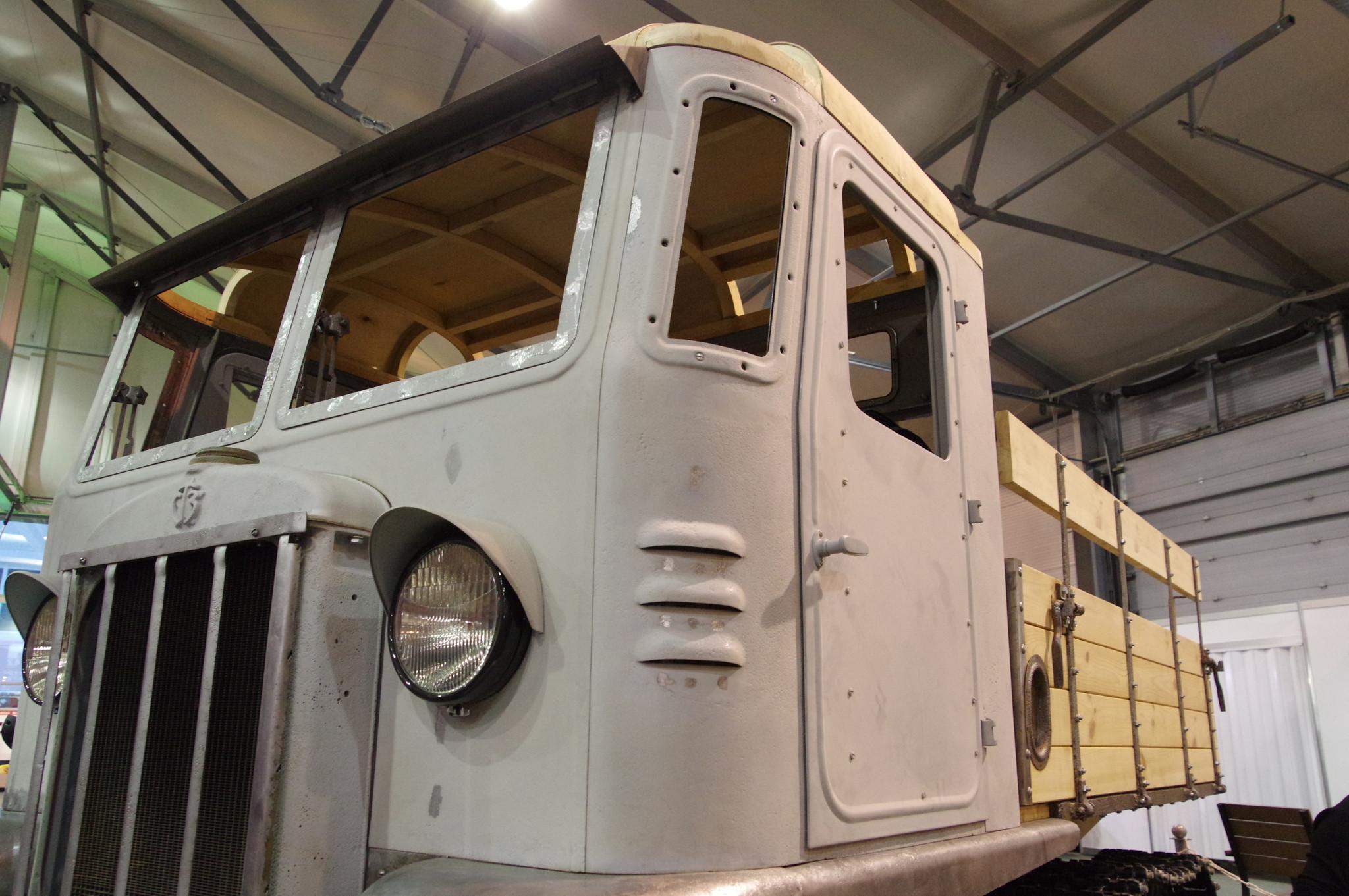 Транспортный тягач СТЗ-5
