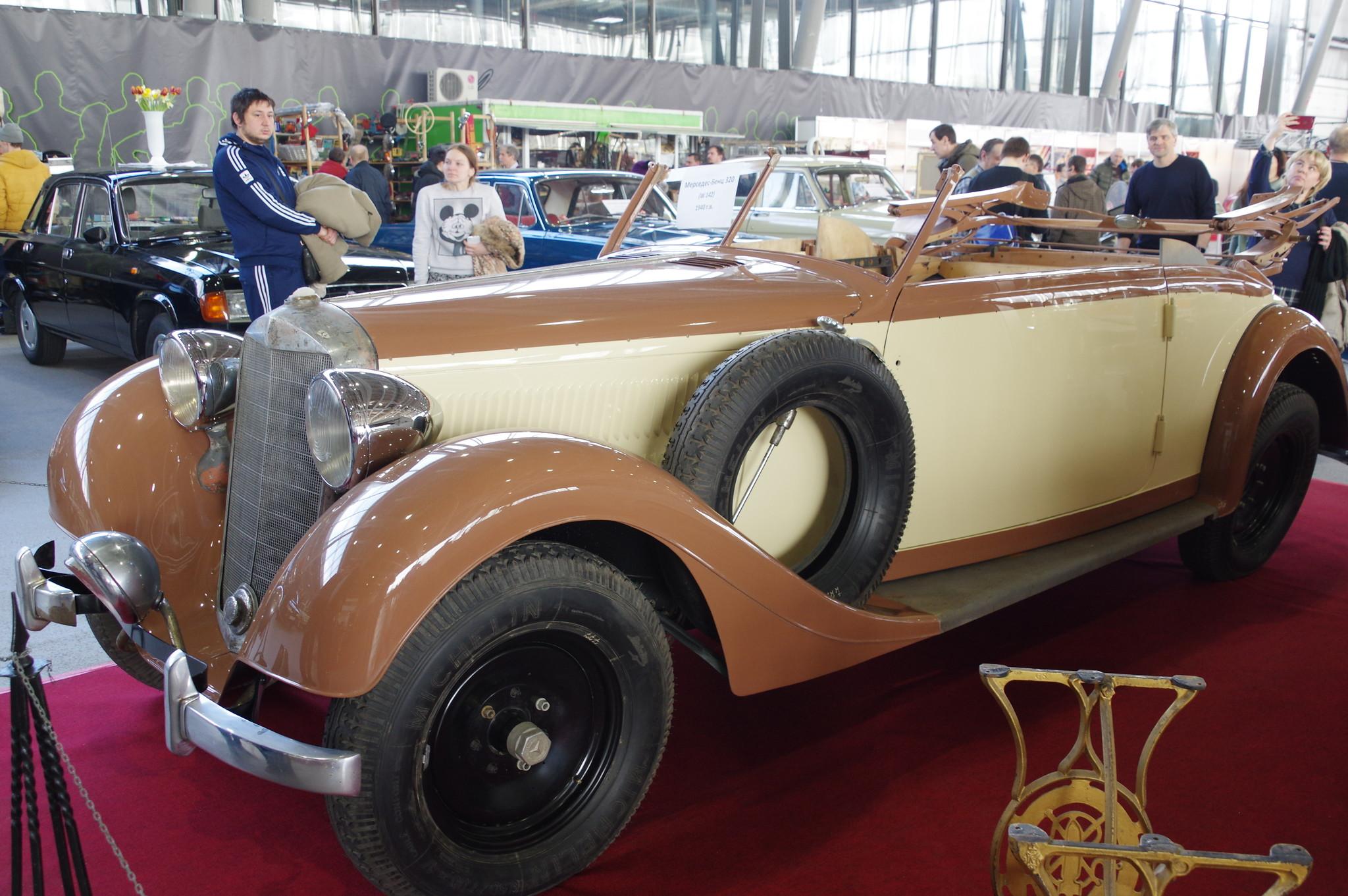 Автомобиль Mercedes-Benz 320 (заводское обозначение W 142) 1940 года выпуска