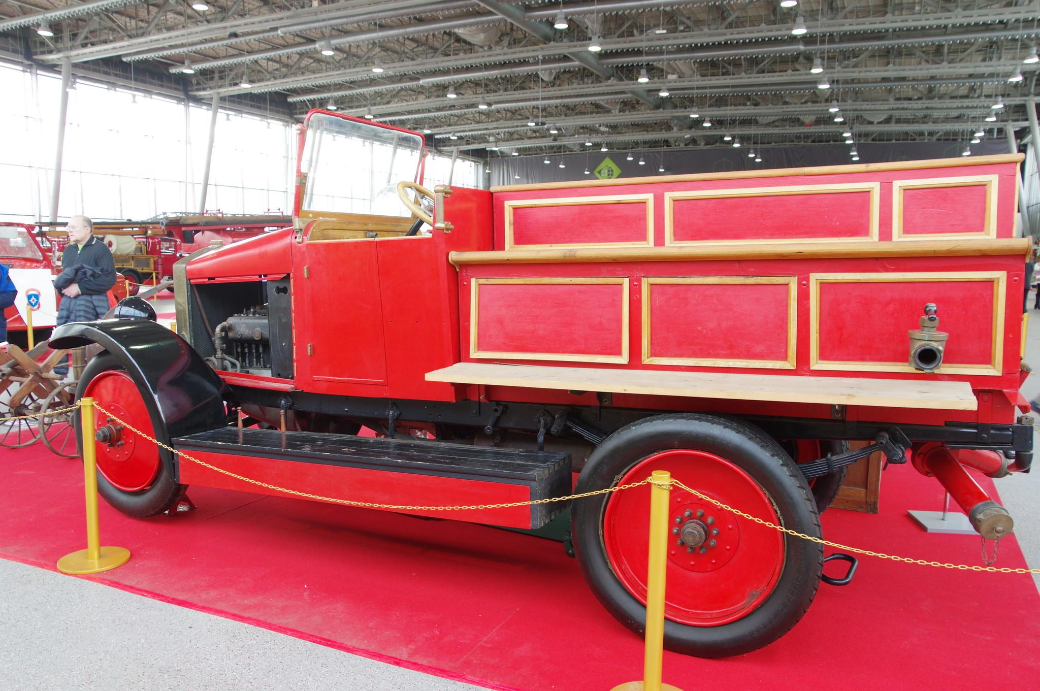Автонасос-линейка на шасси АМО-Ф15. 1930 год