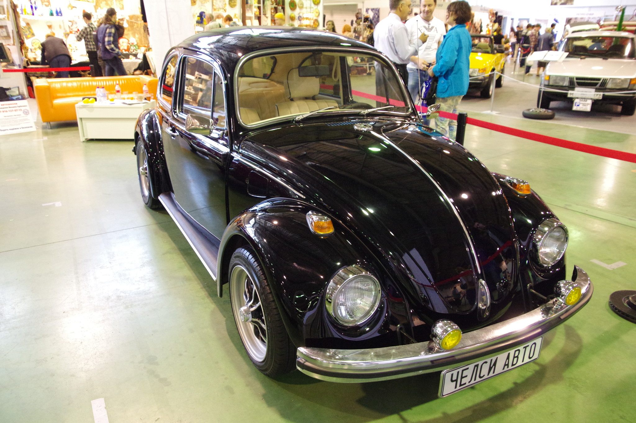 Легковой автомобиль Volkswagen Käfer ([ˈkɛːfɐ]; Käfer в переводе с нем. - «Жук»). Модель 1303 Limousine
