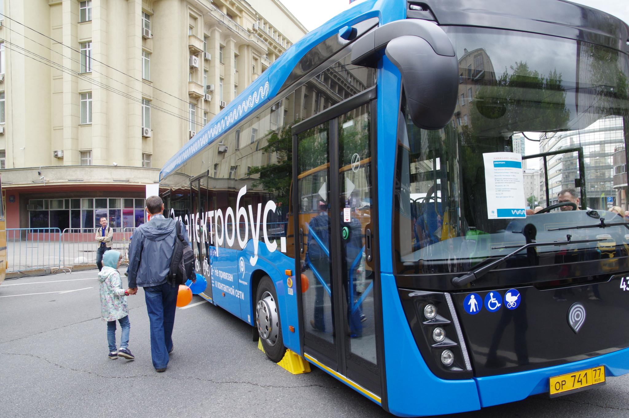 Электробус КамАЗ 6282 с б/н 430325