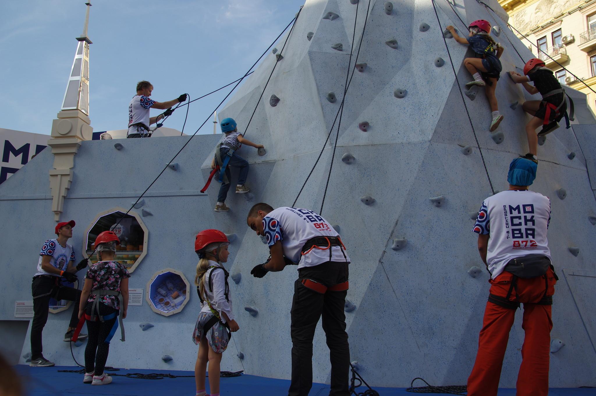 Тренировка на скалодроме