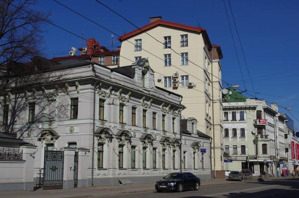 Особняк Лыжина - Е.Е. Карташова (улица Остоженка, дом 24)