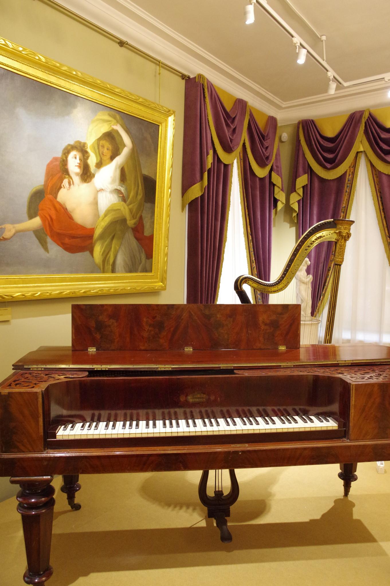 Музыкальная гостиная в усадьбе Н.А. Дурасова в «Люблино»