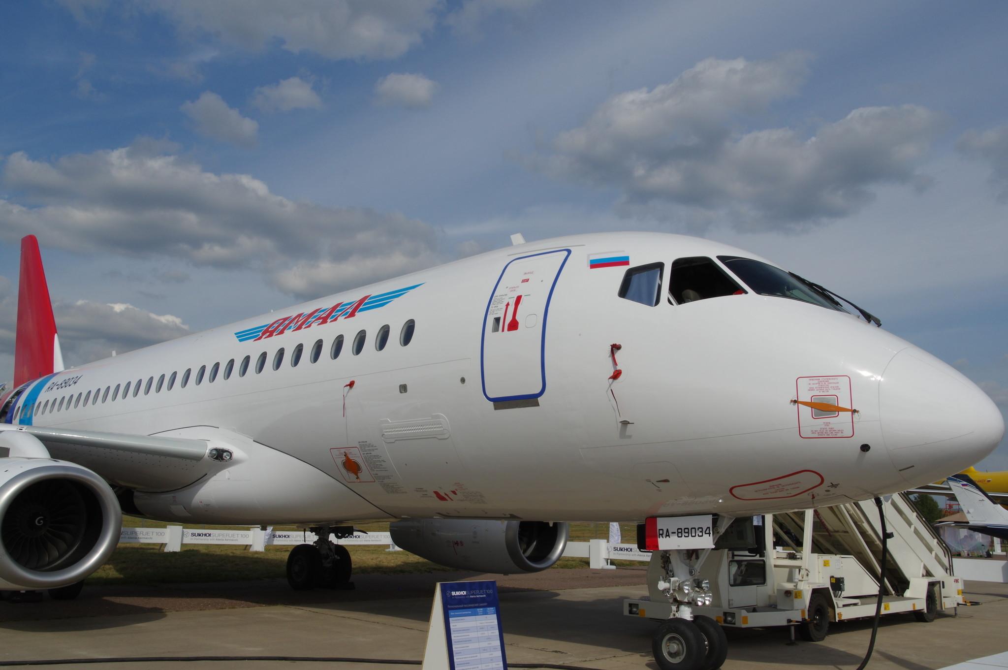 Sukhoi Superjet 100 — ближнемагистральный пассажирский самолёт авиакомпании «Ямал»
