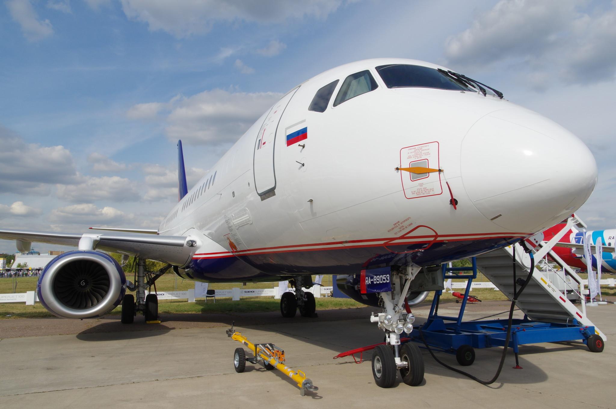 Ближнемагистральный пассажирский самолёт Sukhoi Superjet 100