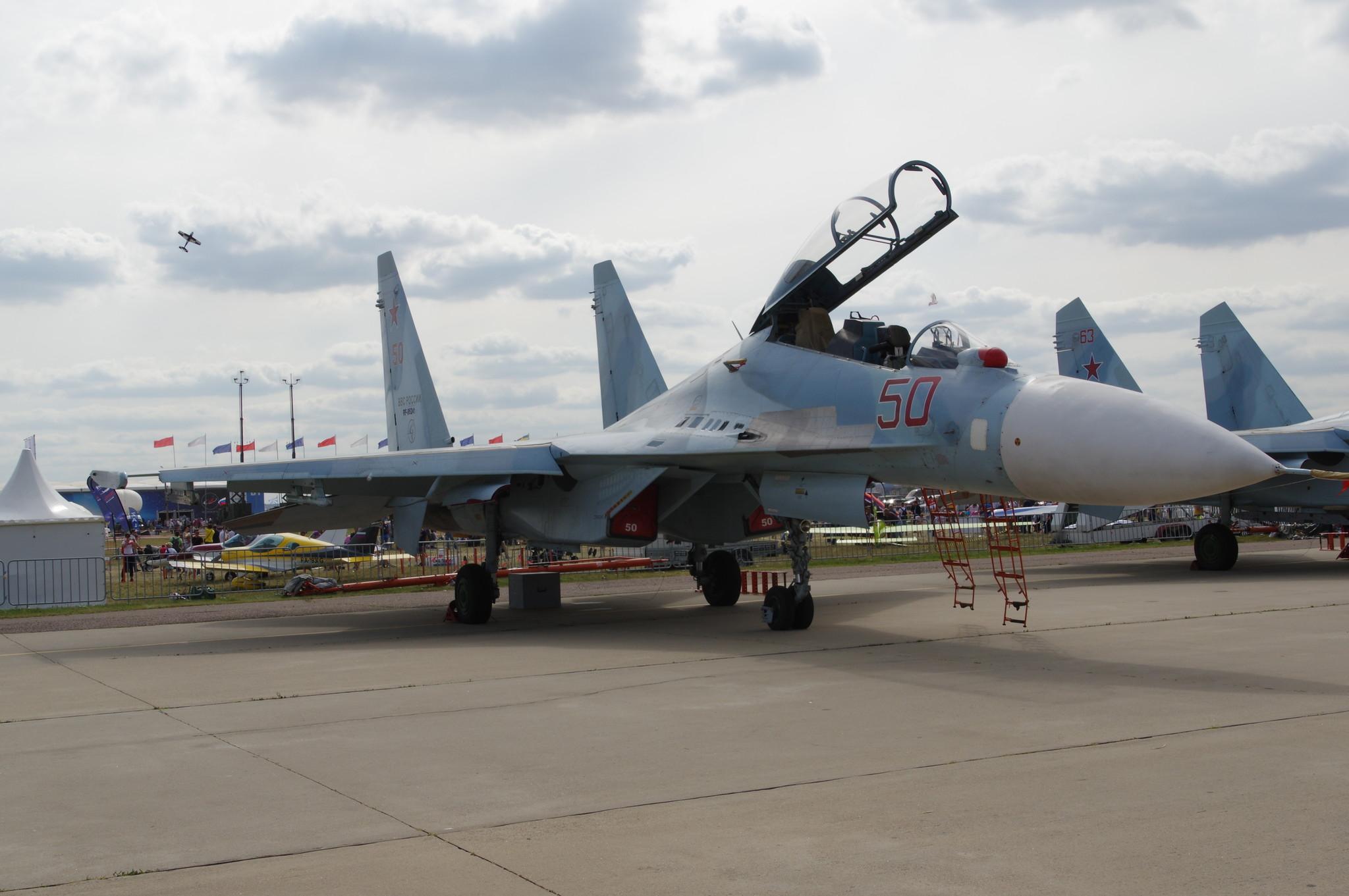 Двухместный истребитель Су-30М2
