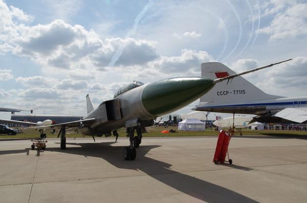 Модернизированный учебно-тренировочный самолёт Су-15УМ