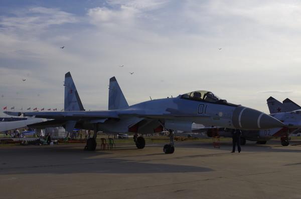 Многоцелевой сверхманевренный истребитель Су-35С