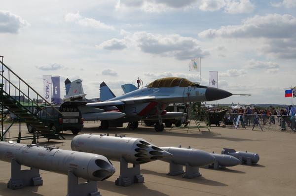 Самолёт корабельного базирования МиГ-29К/МиГ-29КУБ на Международном авиационно-космическом салоне МАКС-2015
