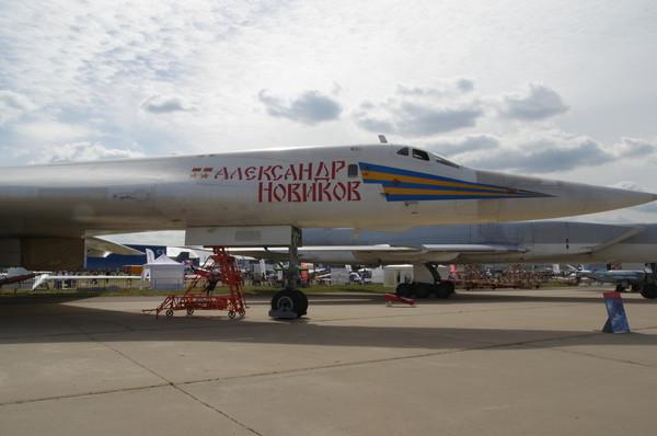 Сверхзвуковой стратегический бомбардировщик-ракетоносец Ту-160 «Александр Новиков»