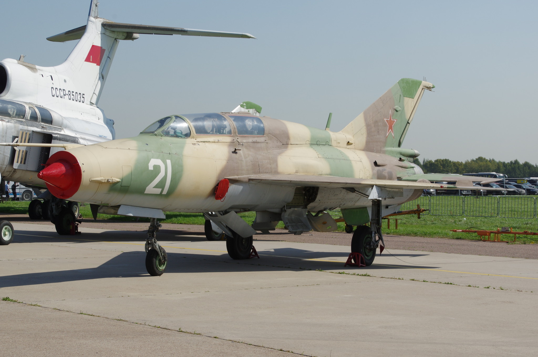 Лёгкий сверхзвуковой фронтовой истребитель третьего поколения МиГ-21У