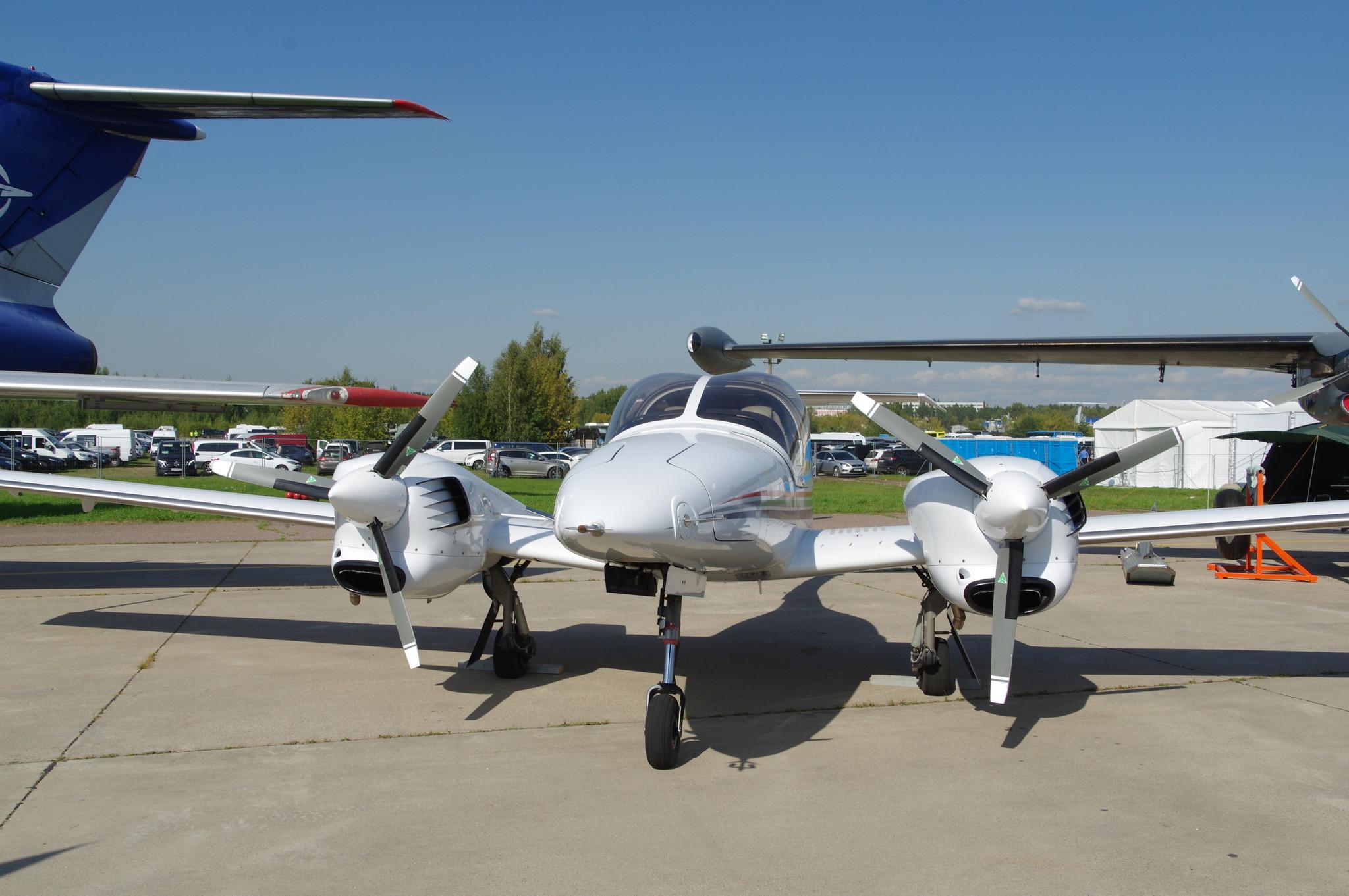 Лёгкий многоцелевой самолёт Diamond DA42Т