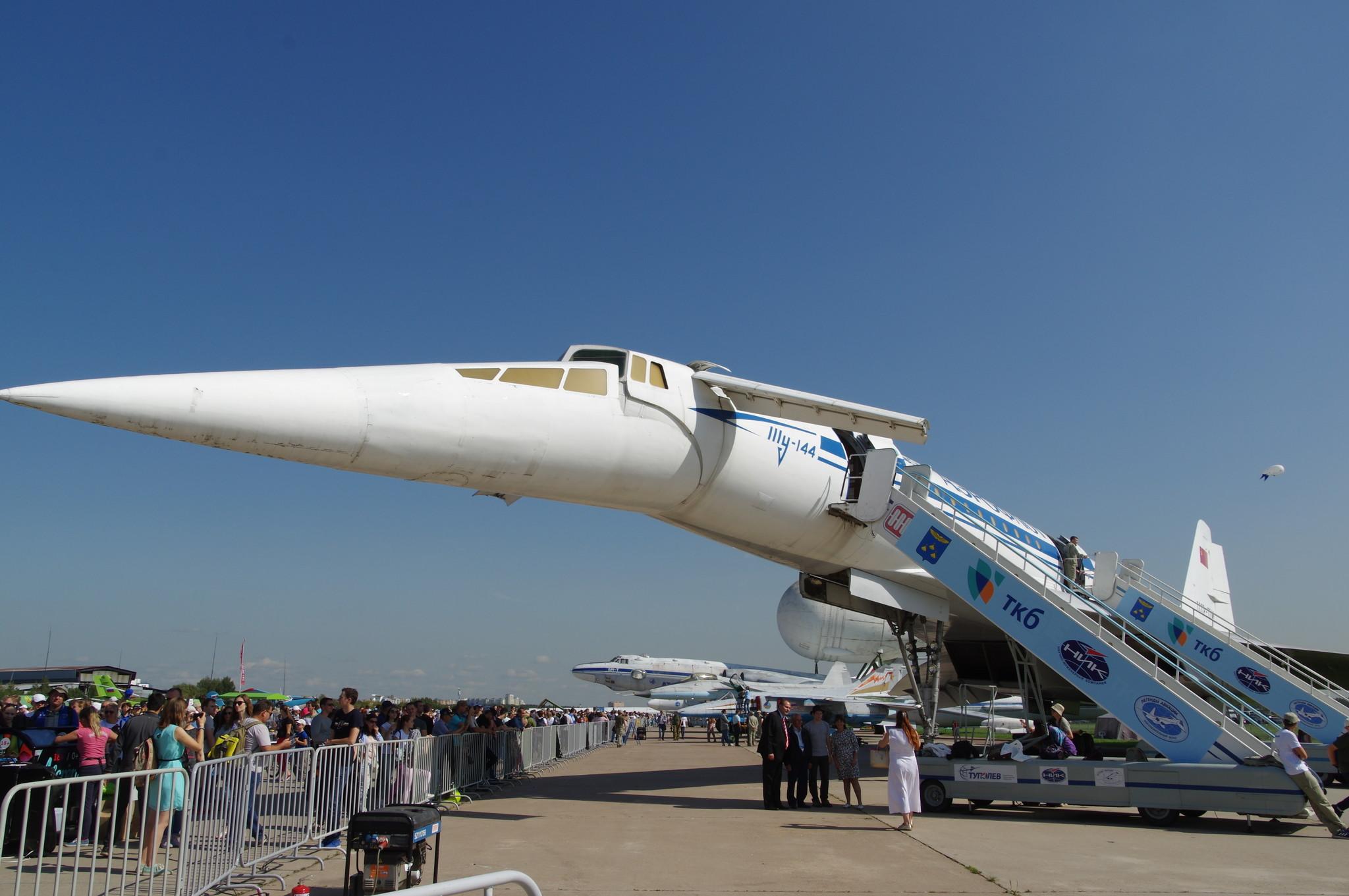 Сверхзвуковой пассажирский самолёт Ту-144