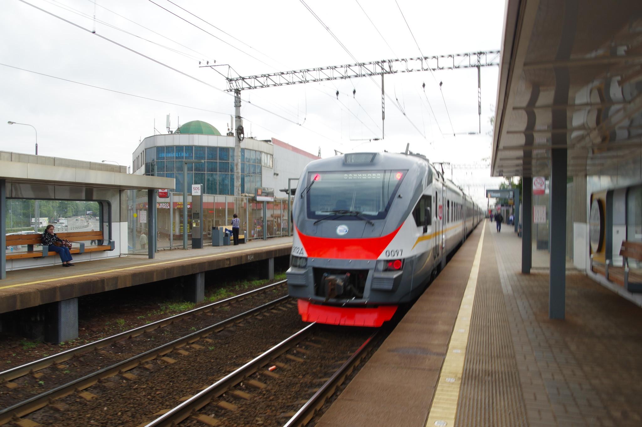Электропоезд ЭП2Д на станции «Лианозово» линии МЦД-1