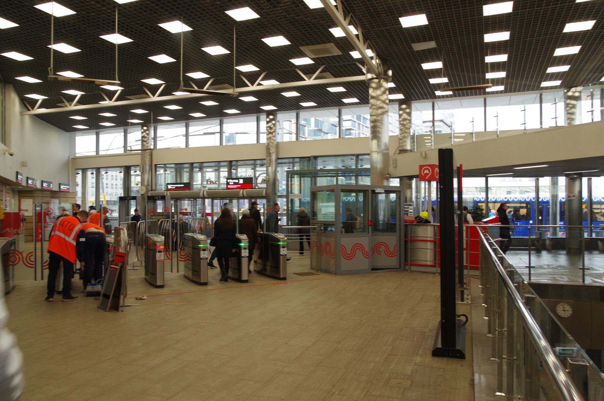 Переход на станцию «Кутузовская» МЦК с вестибюля станции метро «Кутузовская»