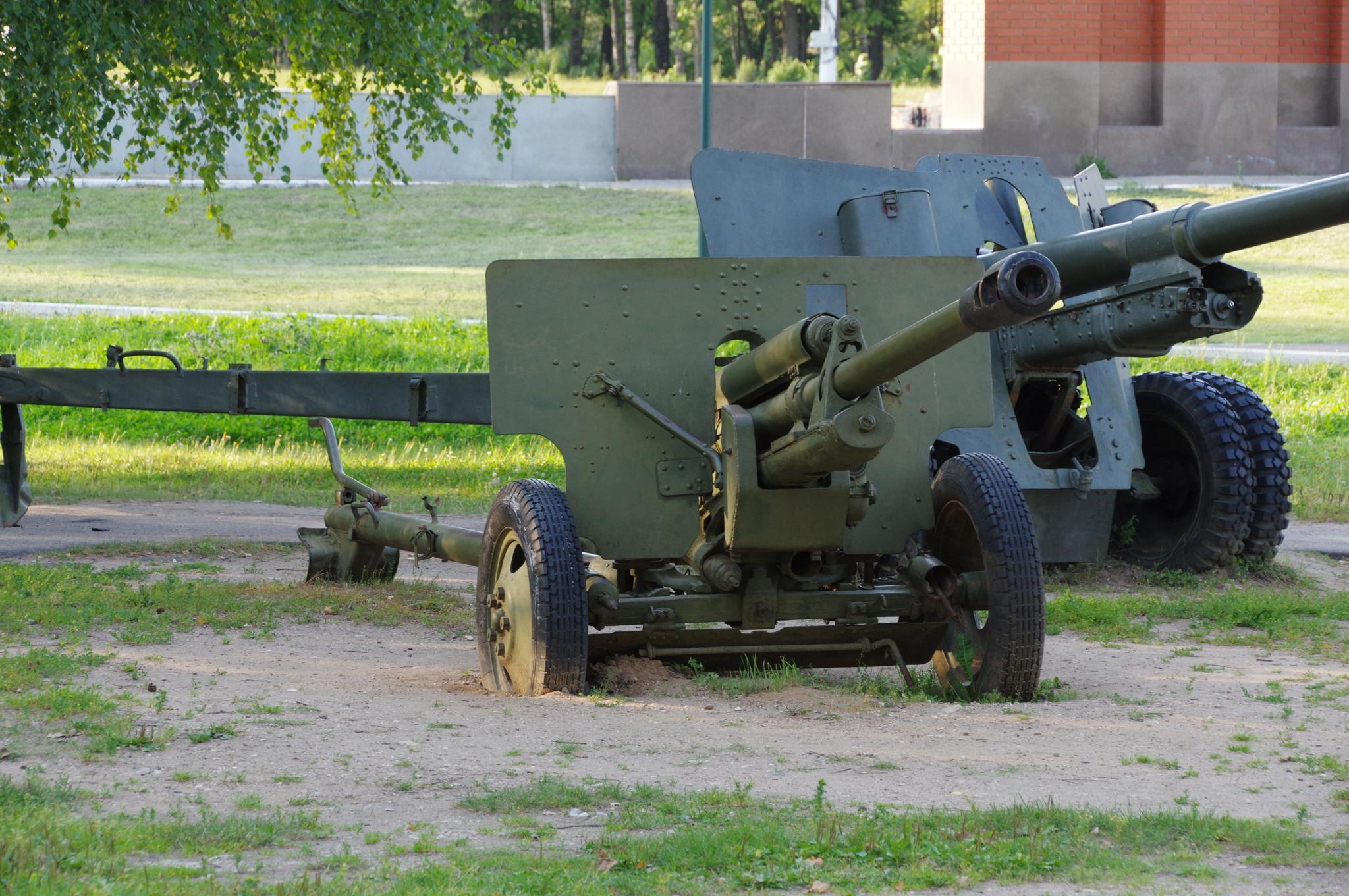 76-мм дивизионная пушка обр. 1942 г. (ЗИС-3). Ленино-Снегирёвский военно-исторический музей