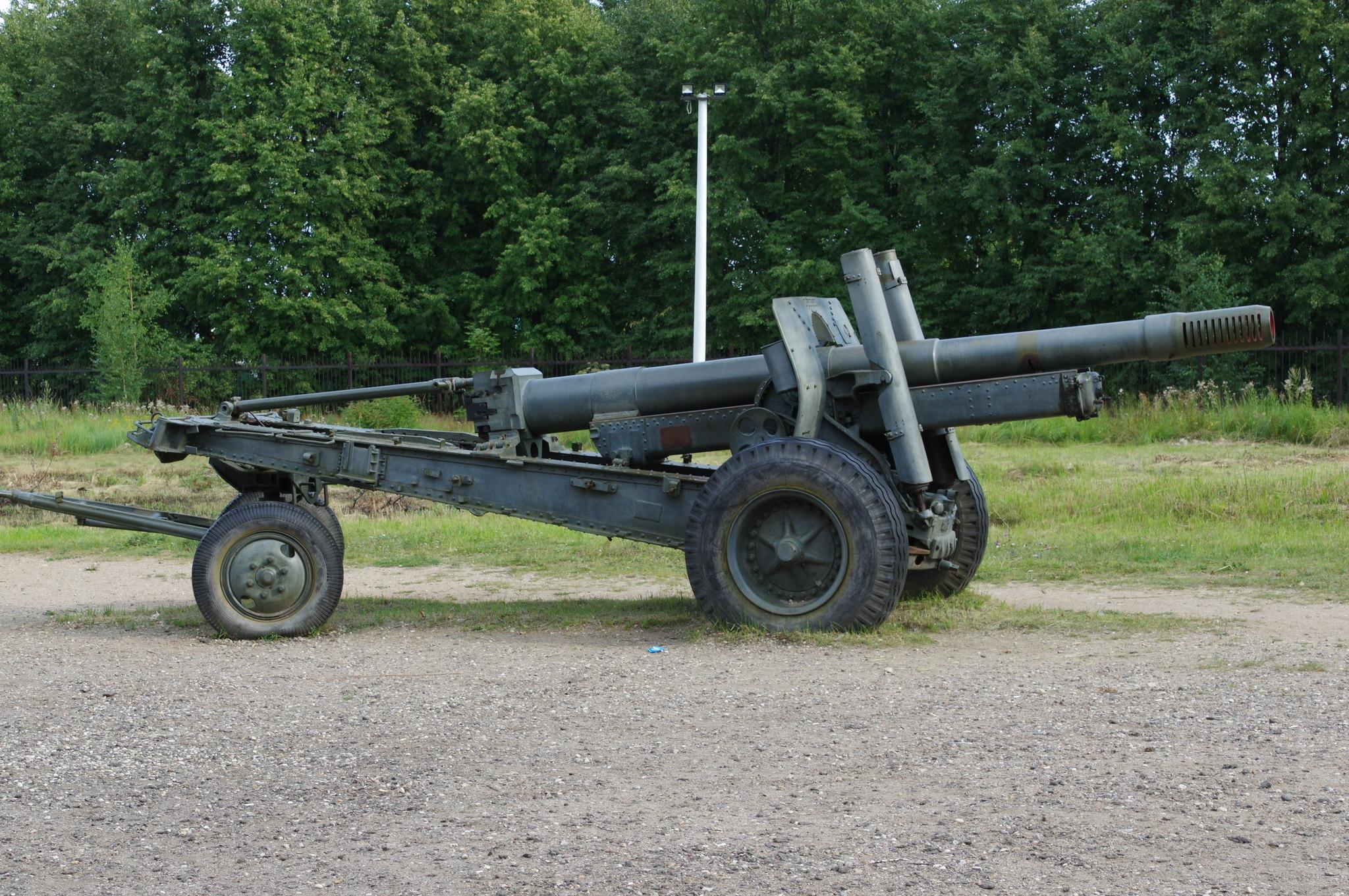 152-мм гаубица-пушка образца 1937 года (МЛ-20). Ленино-Снегирёвский военно-исторический музей