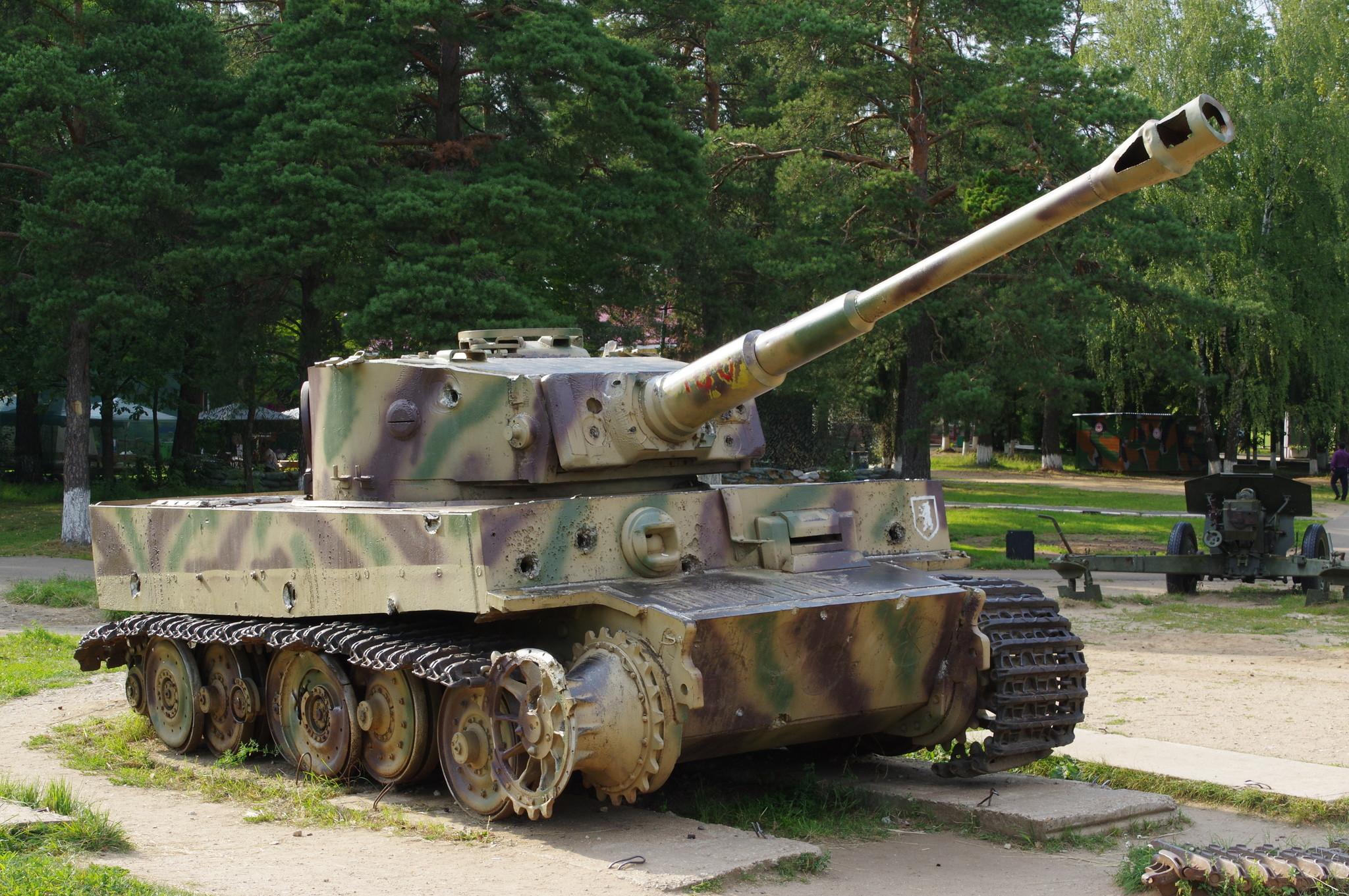 Тяжёлый танк Т-VI (Н1) «Тигр» 1942 г. (Ленино-Снегирёвский военно-исторический музей)
