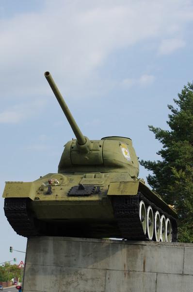 Средний танк Т-34-85 в мемориальном комплексе «Рубеж Славы»