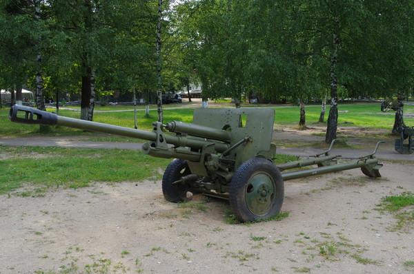 76-мм дивизионная противотанковая пушка ЗИС-3 (Ленино-Снегиревский военно-исторический музей)
