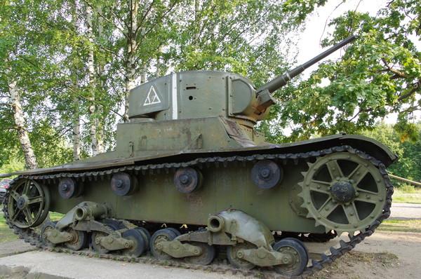 Лёгкий танк Т-26 образца 1933 года в экспозиции Ленино-Снегирёвского военно-исторического музея