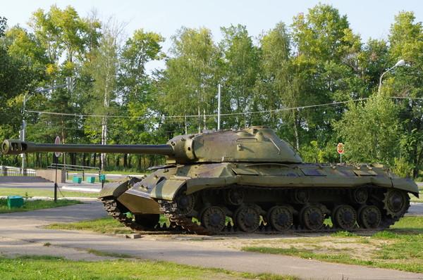 Тяжёлый танк ИС-3 (Ленино-Снегирёвский военно-исторический музей)