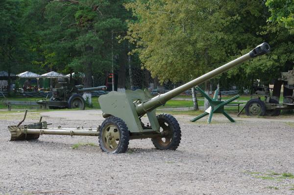 85-мм дивизионная пушка Д-44. Ленино-Снегирёвский военно-исторический музей