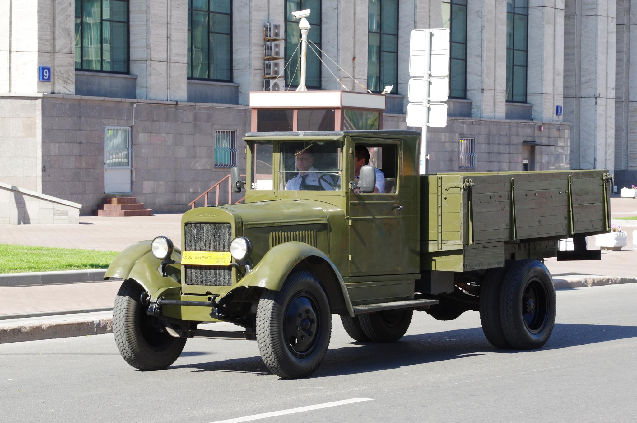 Грузовой автомобиль ЗИС-5