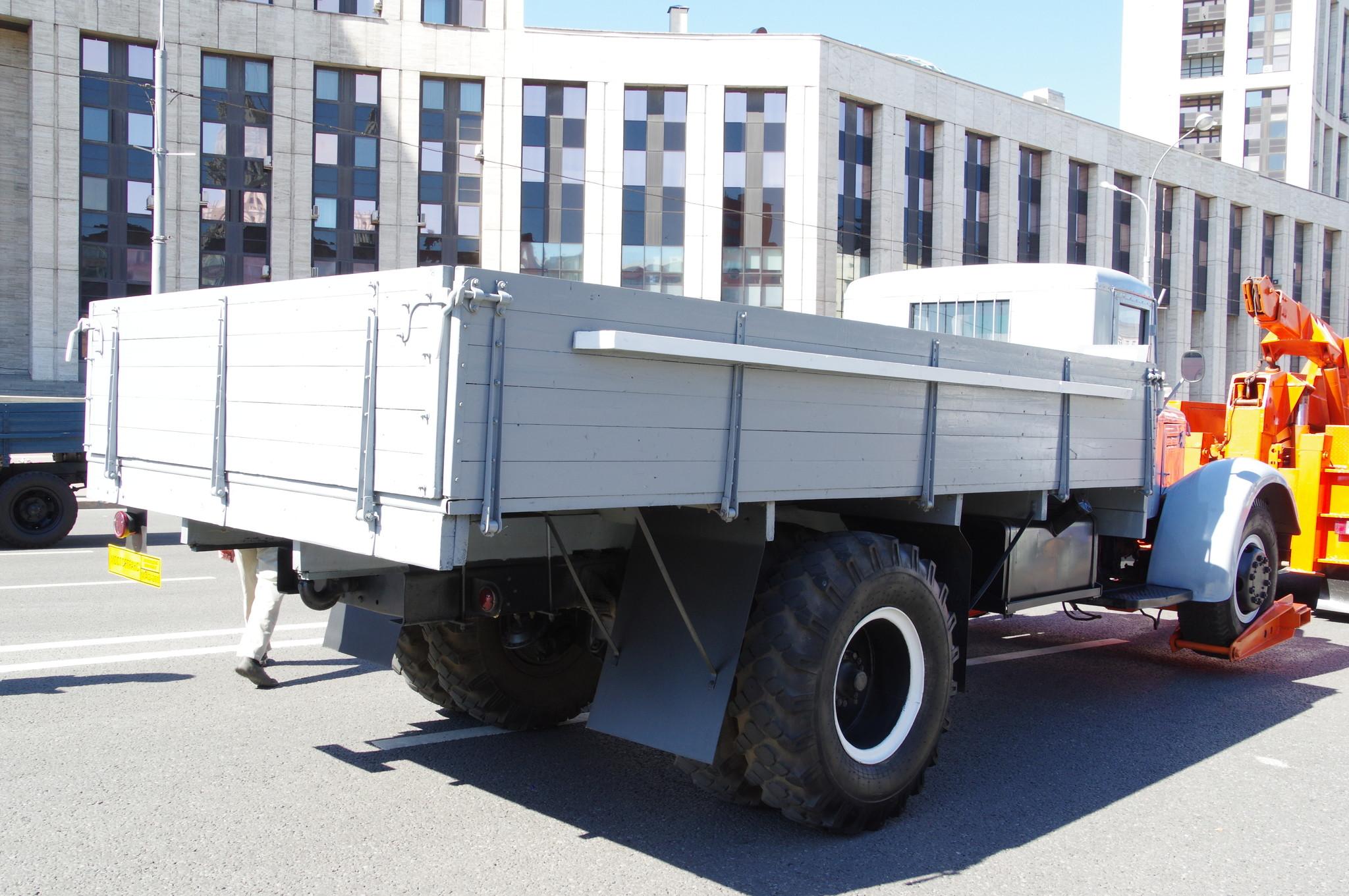 Грузовой автомобиль МАЗ-200