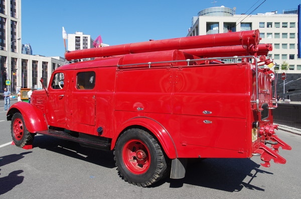 Пожарный автомобиль на базе ЗИЛ-164 АЦ-2