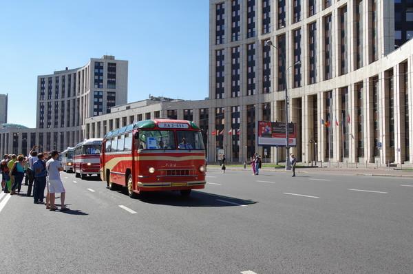 Парад ретро-автобусов. ЛАЗ-695