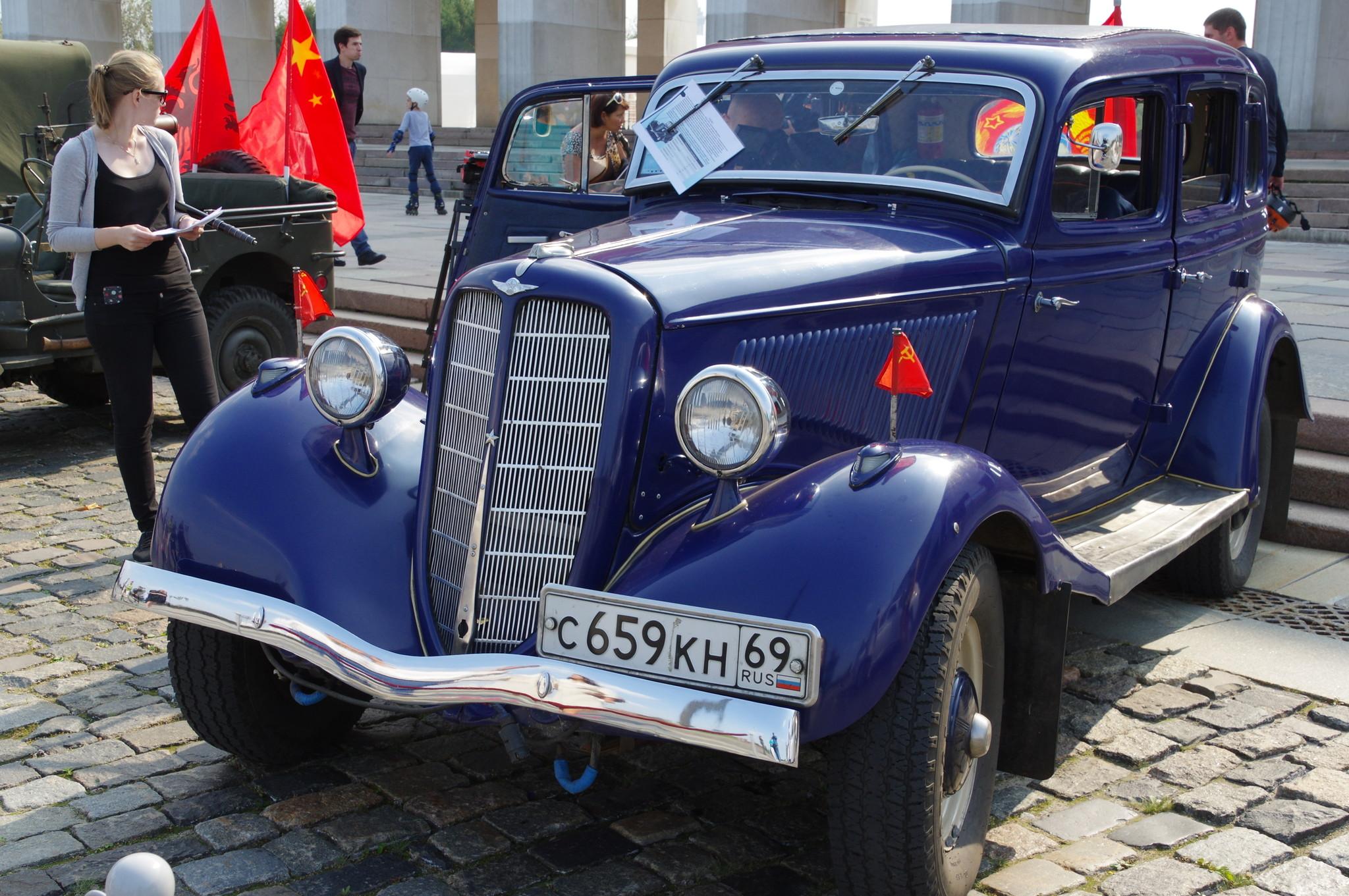 Легковой автомобиль ГАЗ М-1