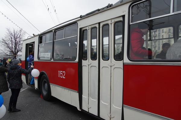 Троллейбус ЗиУ-9В выпускался в 1976-1991 годах на заводе имени М.С. Урицкого