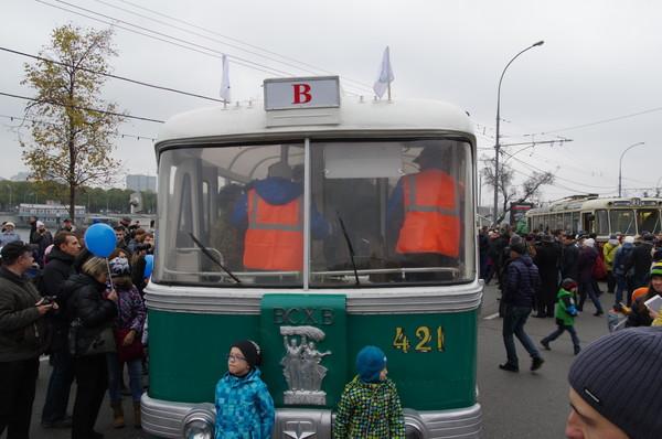 Троллейбус маршрута «Б». СВАРЗ ТБЭС-ВСХВ (1957 года выпуска, производился в Москве)