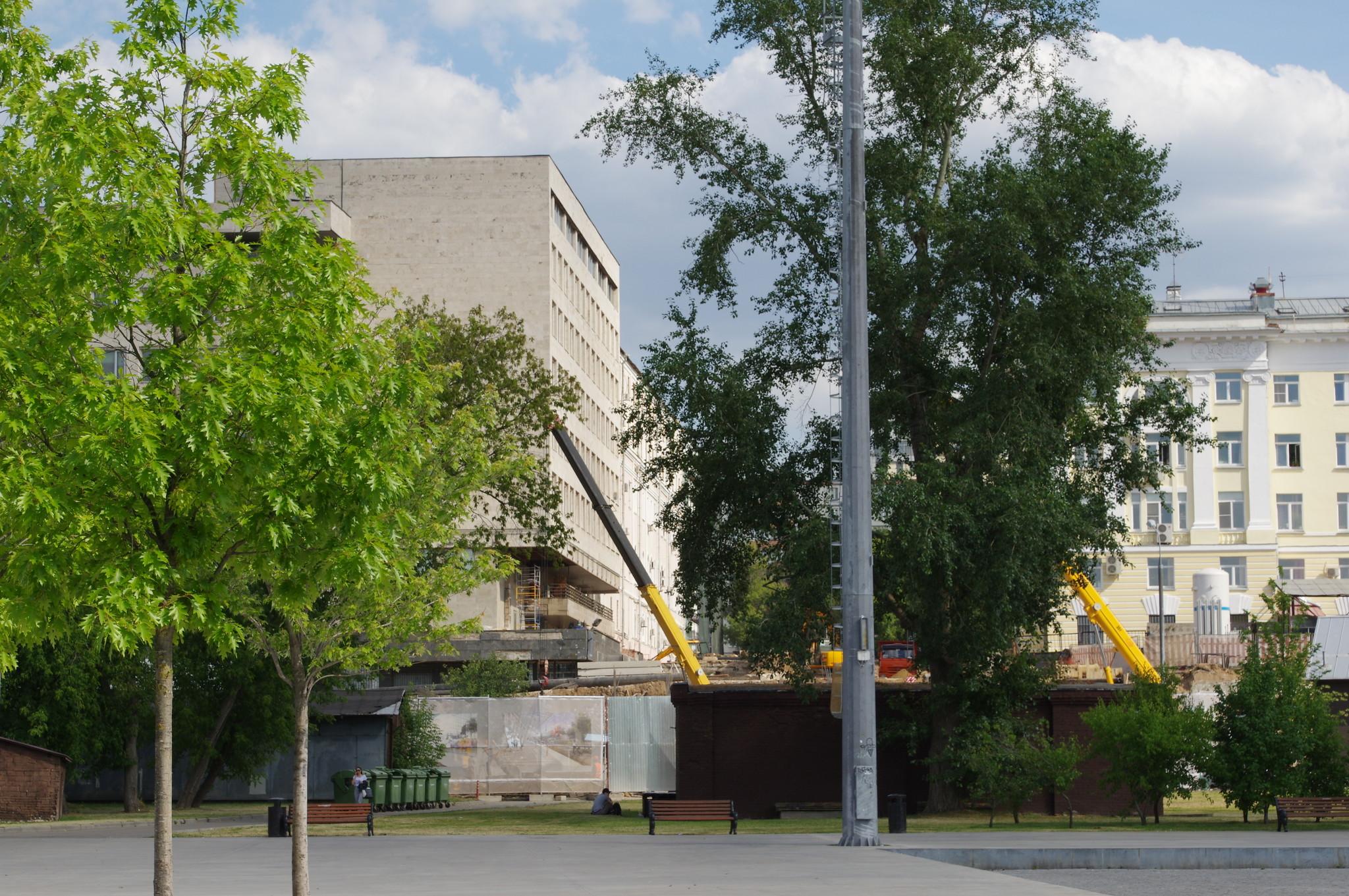 Строительство дополнительного входа в Центральный парк культуры и отдыха имени М. Горького