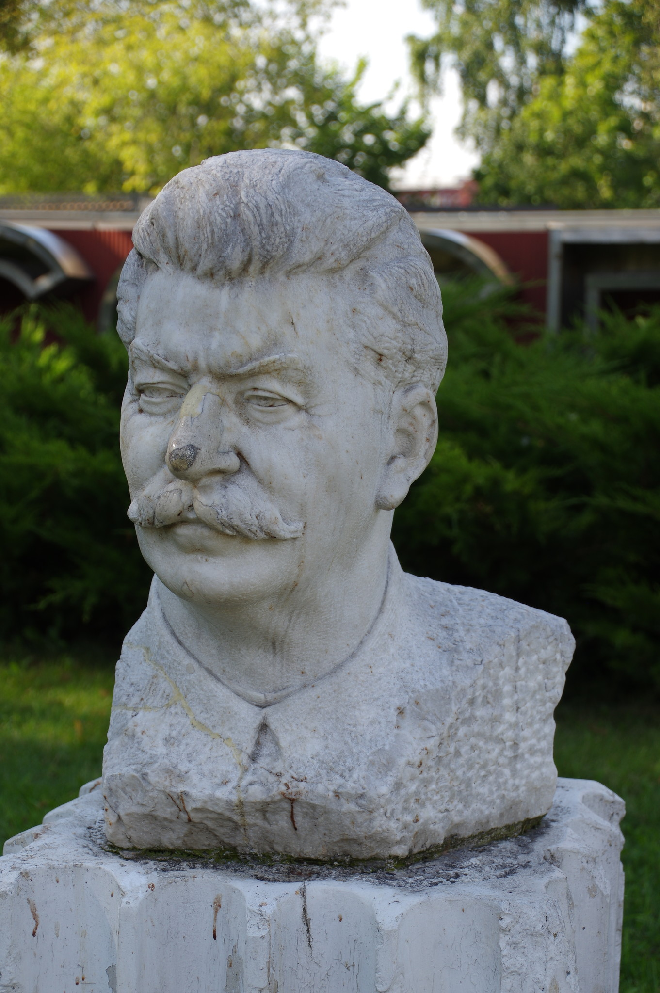 Портрет Сталина И.В. Виленский З.М. 1947 г. Мрамор. Парк искусств «Музеон»