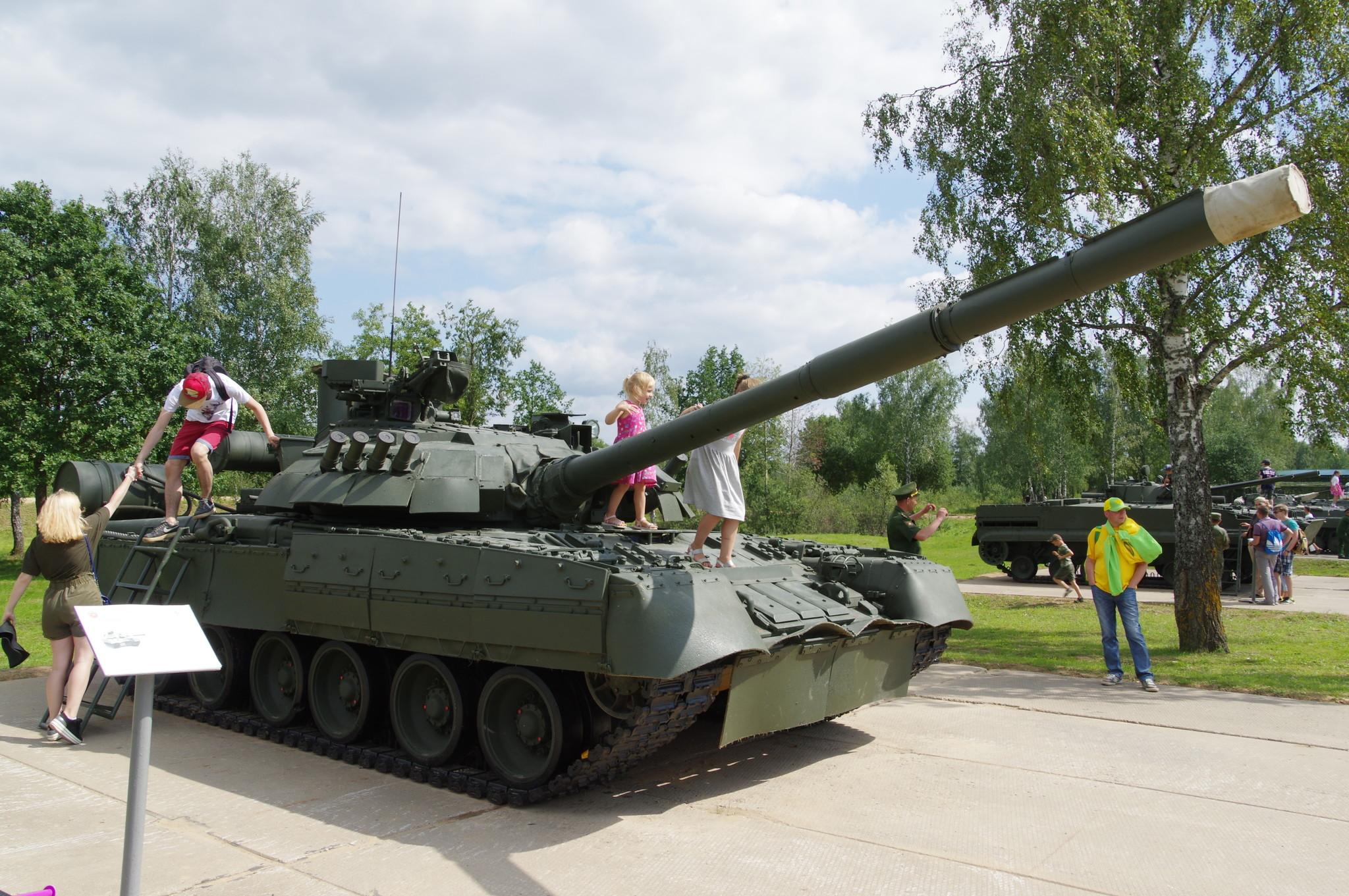 Танк Т-80УЕ1