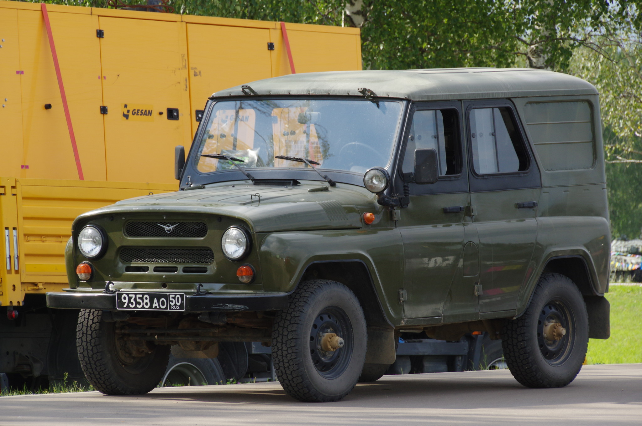 Автомобиль УАЗ-3151