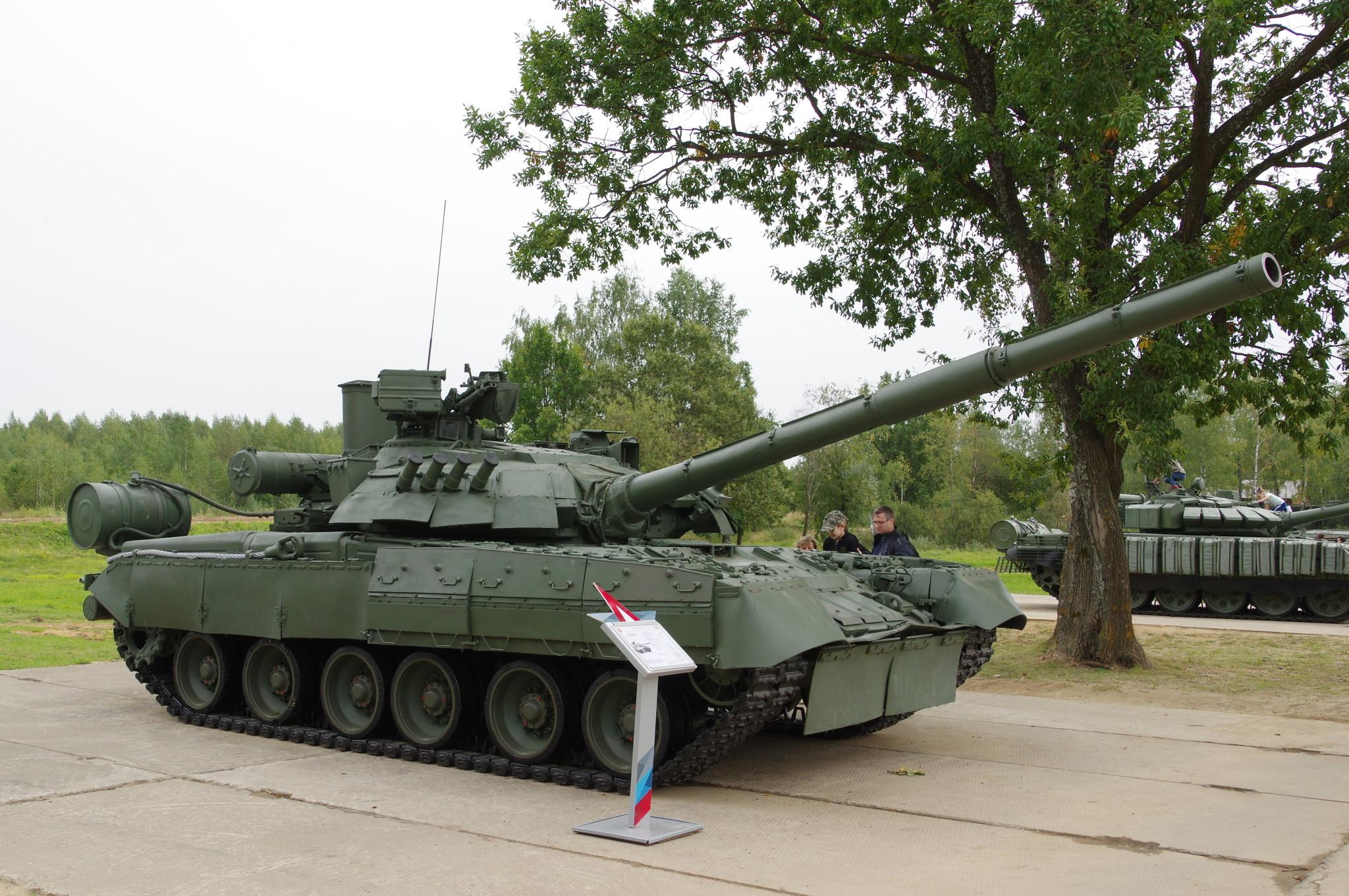 Основной боевой танк Т-80 УЕ-1